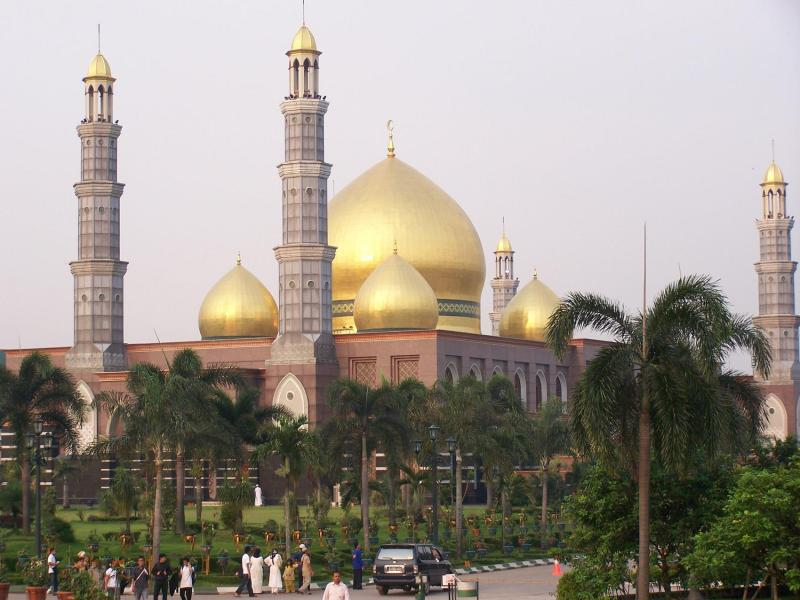 masjid kubah emas 1