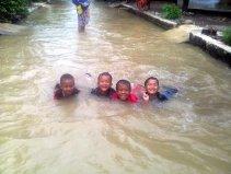 banjir di kapurinjing foto1612